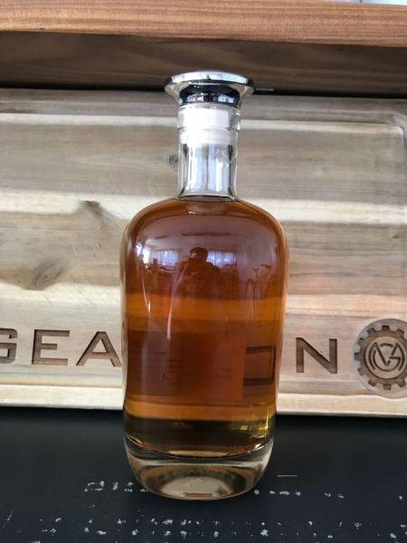 erste Flasche Boiler Rum